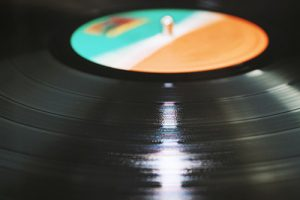 pasar discos de vinilo a CD o archivo digital en Barcelona